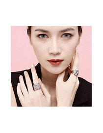 Luxury Gold Color&black Diamond Decorated Simple Design Alloy Korean Rings