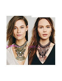 Exaggerated Antique Gold Geometric Shape Pendant Decorated Collar Necklace