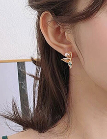 Fashion Color Fish Tail Pearl Stud Earrings