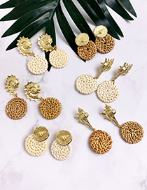 Fashion Beige Alloy Wood Rattan Conch Stud Earrings
