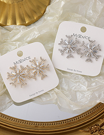 Fashion Gold Color Snowflake Micro-inlaid Zircon Gold-plated Copper Earrings