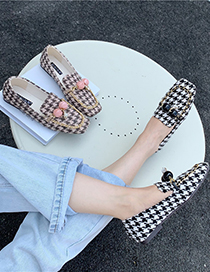 Fashion Black Small Black Leather Shoes With Metal Chain Square Toe Mid-mouth Check Pattern