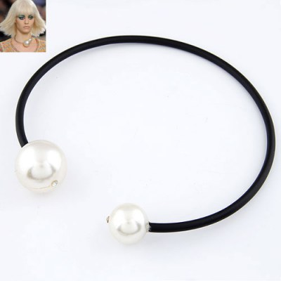 Awesome White Big  Pearl Circle Design Rubber Band Chokers