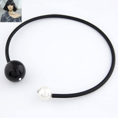 French Black Big  Pearl Circle Design Rubber Band Chokers