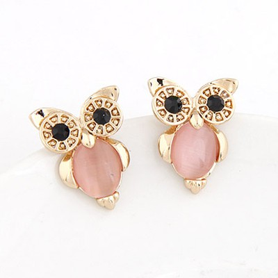Define Pink Owl Shape Simple Design