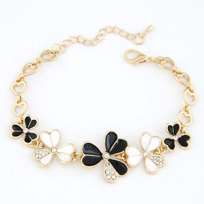 Hiphop Black Three Petal Grass Decorated Design Alloy Korean Fashion Bracelet