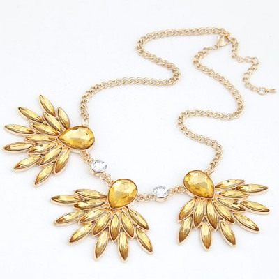 Daisy Champagne Gemstone Decorated Design Alloy Bib Necklaces