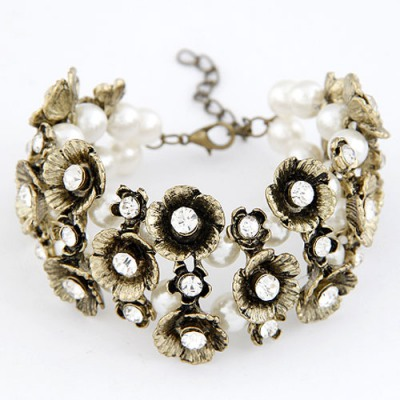 Birthing White Multilayer Vintage Flower Decorated Alloy Korean Fashion Bracelet