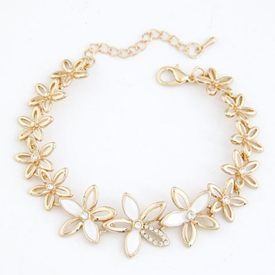 Security White Hollow Out Flower Decorated Design Alloy Korean Fashion Bracelet