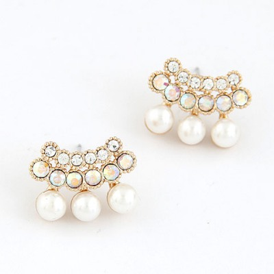 Lightest White Sparkly Diamond Pearl Design Alloy Stud Earrings