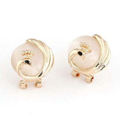 Flamenco Gold Color Elegant Peacock Pearl Design Alloy Stud Earrings