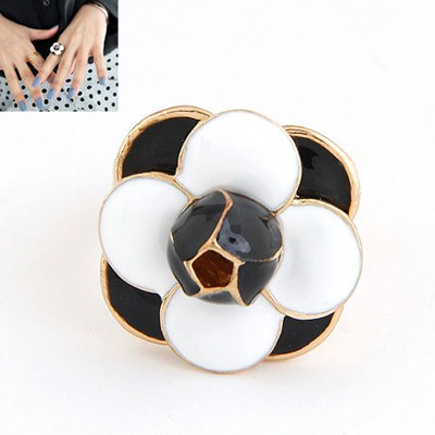 Ultra White Enamel Flower Square Shape Design Alloy Korean Rings