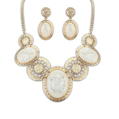 Magnifying Beige Luxury Gemstone Decorared Design Alloy Jewelry Sets