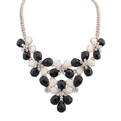 Pendants Black Butterfly Flower Decorated Design Alloy Bib Necklaces