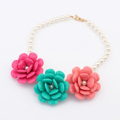 Latest Multicolor Three Flowers Decorated Design Alloy Bib Necklaces