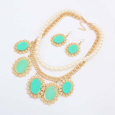 Sparking Green Oval Gemstone Pendant Design Alloy Jewelry Sets