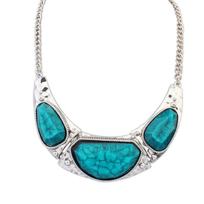 Handcrafte Blue Irregular Gemstone Pendant Design Alloy Bib Necklaces