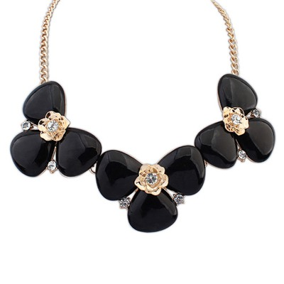 Traditiona Black Elegant Gemstone Decorated Design Alloy Bib Necklaces