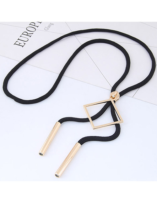 Trendy Black Square Shape Decorated Simple Necklace