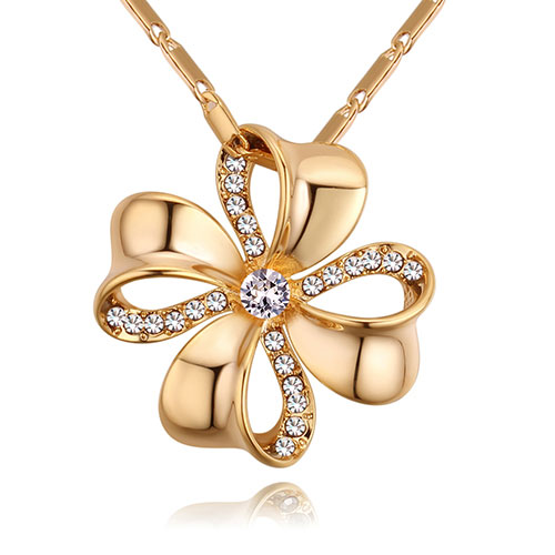 Fashion Gold Color+white Flower Shape Decorated Necklace