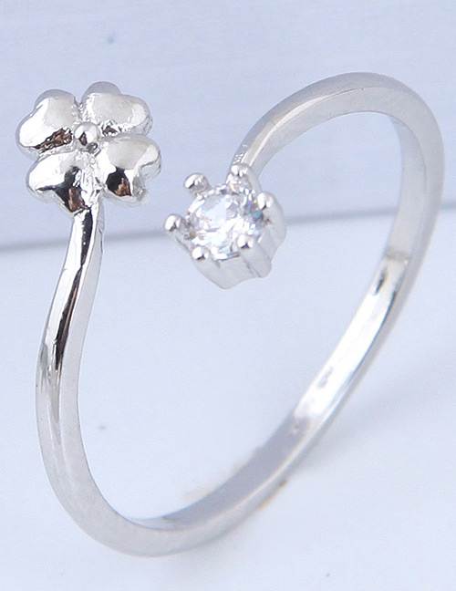 Simple Silver Color Clover Shape Decorated Ring