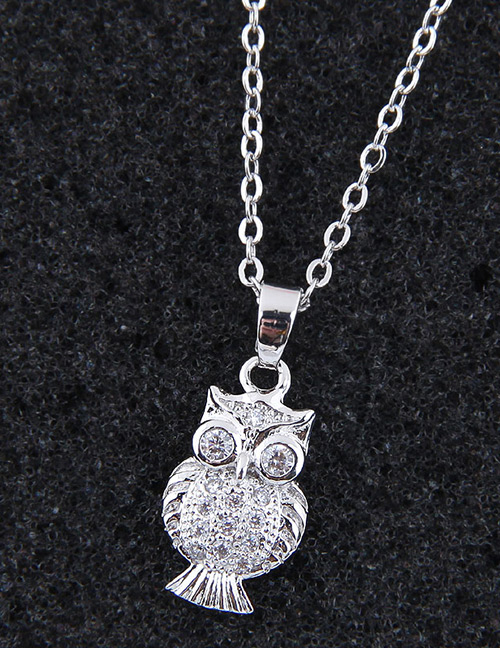 Elegant Silver Color Owl Shape Decorated Necklace