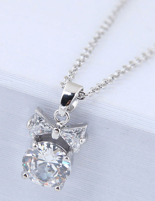 Elegant Silver Color Diamond Decorated Pure Color Necklace