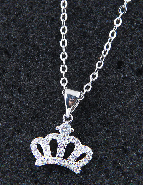 Elegant Silver Color Crown Shape Decorated Necklace