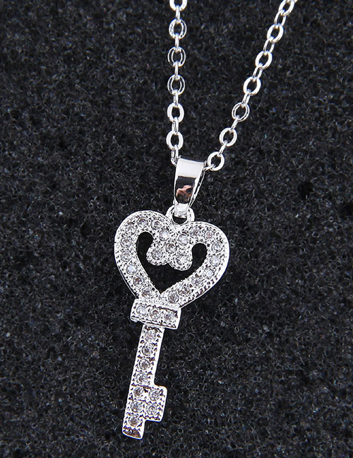 Elegant Silver Color Key Shape Decorated Necklace