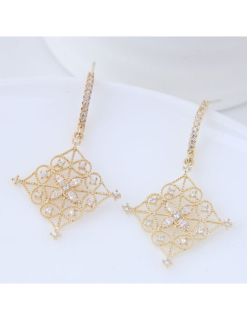 Elegant Gold Color Flowers Decorated Square Shape Earrings