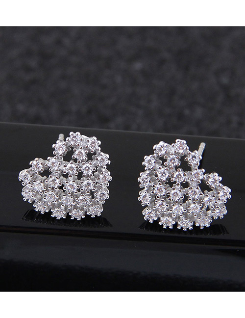 Fashion White Heart Shape Decorated Earrings