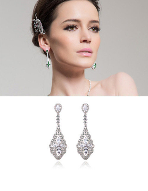 Fashion White Flowers Shape Design Long Earrings