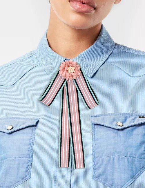 Trendy Pink Flower Decorated Bowknot Brooch