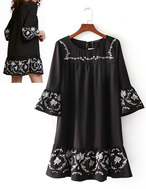 Fashion Black Embroidery Flowers Decorated Dress