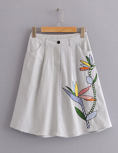 Fashion White Flower Pattern Decorated Skirt