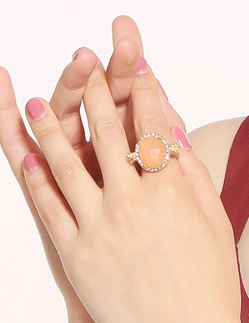 Elegant Gold Color Oval Shape Diamond Decorated Ring