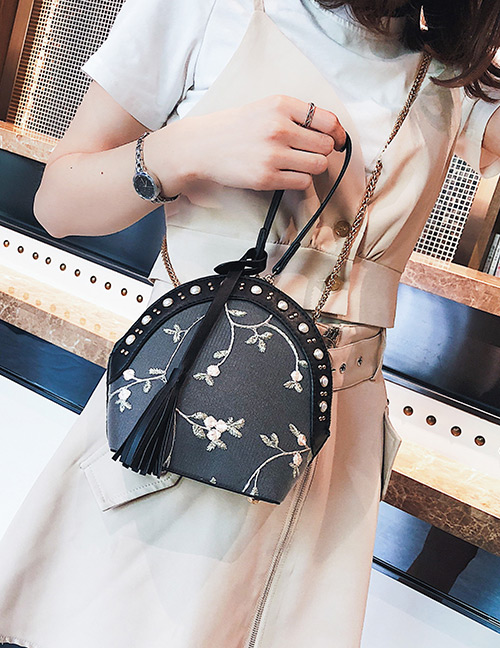 Fashion Black Flowers Pattern Design Shell Shape Bag