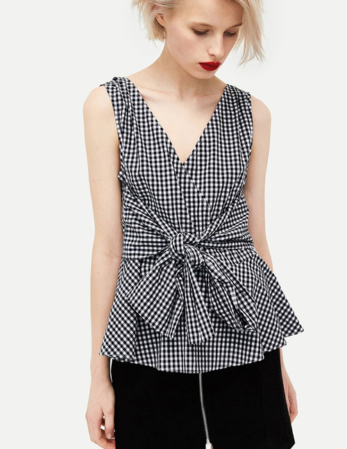 Fashion Black+white V Neckline Design Grid Pattern Shirt