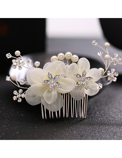 Elegant Beige Flowers&pearls Decorated Hair Comb