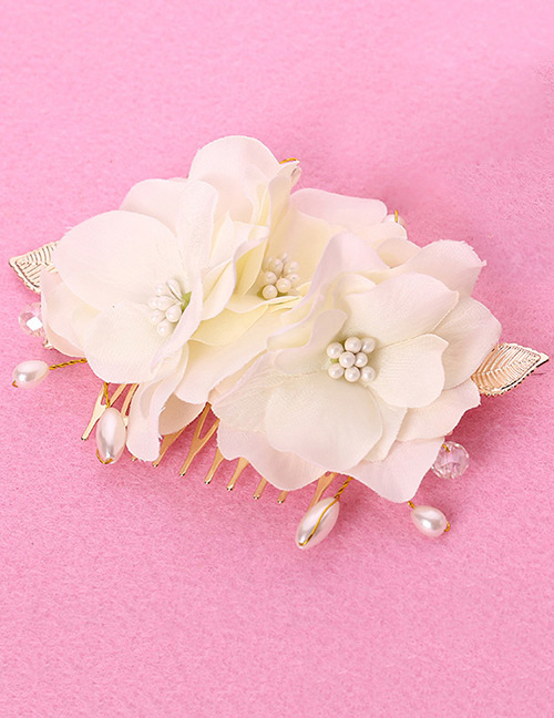 Elegant White Pearls&flowers Decorated Hair Comb