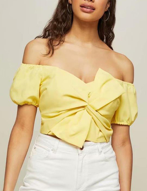 Fashion Yellow Bowknot Shape Decorated Off-the-shoulder Blouse