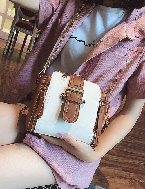 Fashion White Buckle Shape Decorated Shoulder Bag