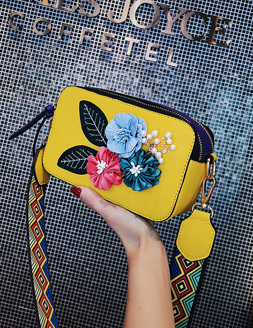 Fashion Yellow Flower Shape Decorated Shoulder Bag
