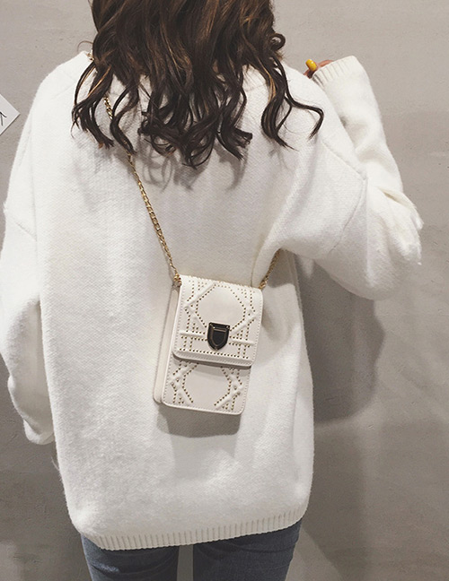 Fashion White Rivet Decorated Shoulder Bag