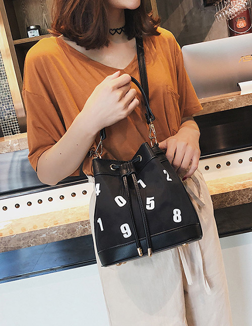 Fashion Black Letter Pattern Decorated Shoulder Bag