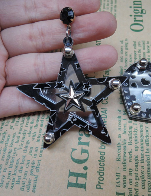 Fashion Black Star Shape Decorated Earrings