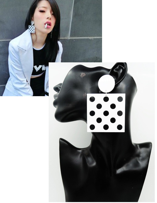 Fashion Black+white Spot Pattern Decorated Earrings