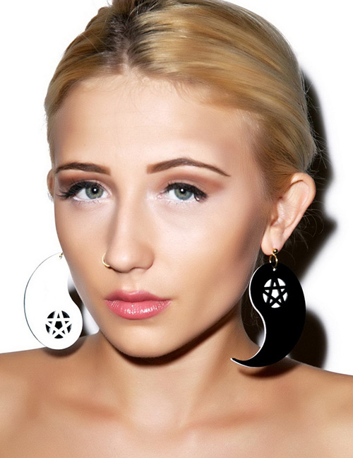 Fashion White+black Star Pattern Decorated Earrings
