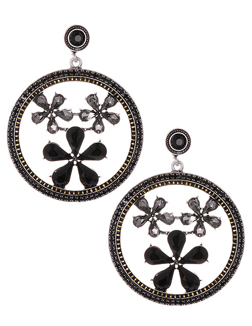 Elegant Black Flowers Decorated Round Shape Earrings