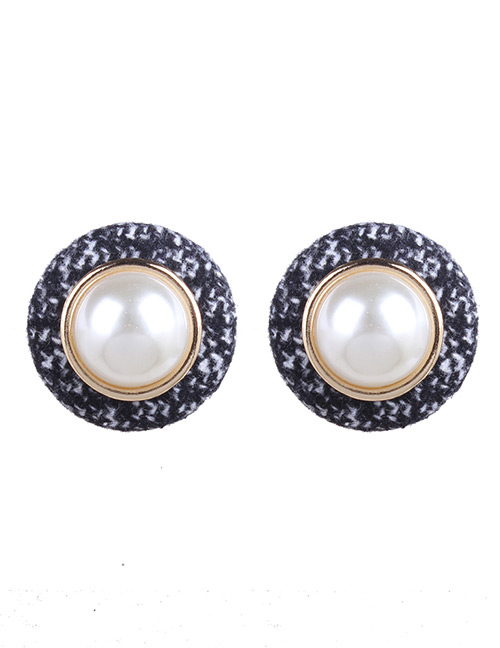 Fashion Black Pearls Decorated Round Shape Earrings